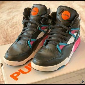 Reebok Pump Omni Zone Retro sneakers. Sz 11